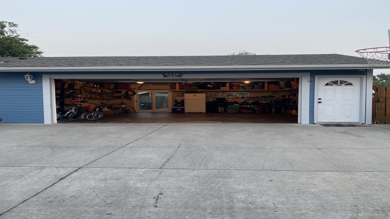 Walkthru door into garage